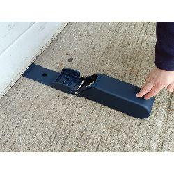 Squire-ga5-garage-door-blocker-open-flat.jpg