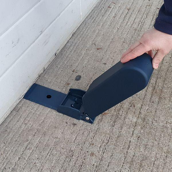 Squire-ga5-garage-door-blocker-opening.jpg