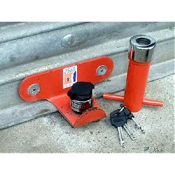 roller-shutter-door-lock-use01.jpg