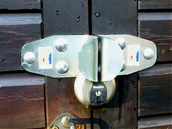 High Security Sold Secure Bronze Hasp & Master Discus Padlock Set